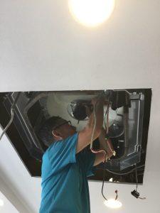 天井埋込エアコンの分解
