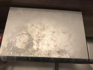 混合栓カバー上の汚れ